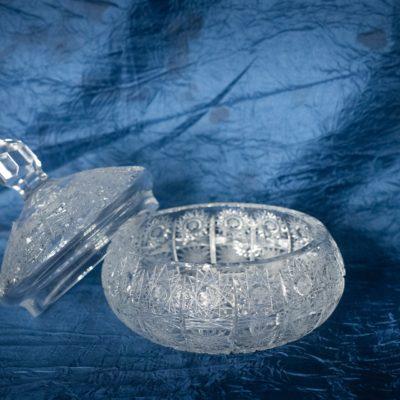 Krištálová brúsená dóza 15 cm s viečkom