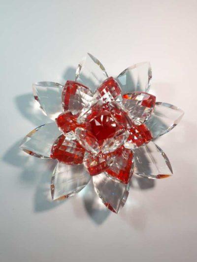 Krištálový brúsený lotosový kvet červený 15 cm