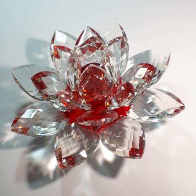 Krištálový brúsený lotosový kvet červený 20 cm